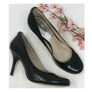 Michael Kors Black Leather Round Toe Heels Pumps 9